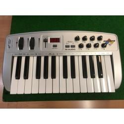 "M-AUDIO Oxygen 8 - 25 touches ""piano"""